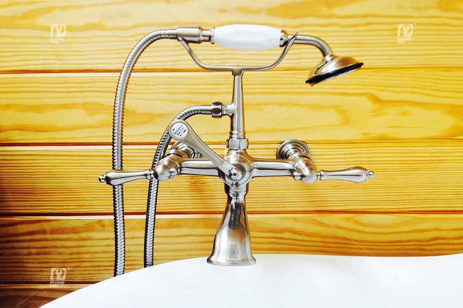 clawfoot-bathtub-faucet-installation